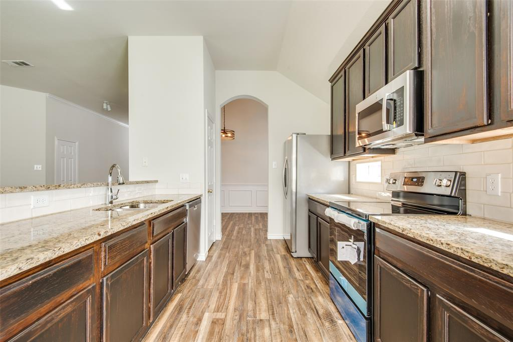 5913 Meadowglen  Drive, Denton, Texas 76226 - acquisto real estate best highland park realtor amy gasperini fast real estate service