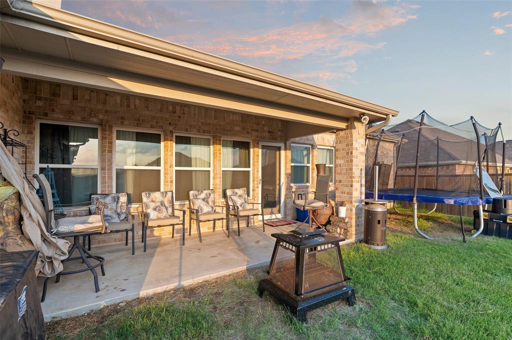 4014 Kensington  Drive, Sanger, Texas 76266 - acquisto real estate mvp award real estate logan lawrence