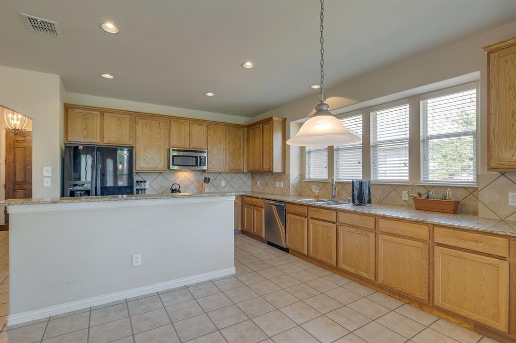 3609 Dalton  Street, Fort Worth, Texas 76244 - acquisto real estate best new home sales realtor linda miller executor real estate
