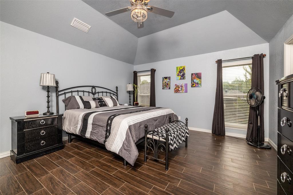 802 Glenn  Drive, Euless, Texas 76039 - acquisto real estate best realtor dfw jody daley liberty high school realtor
