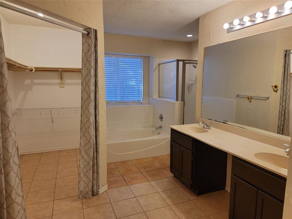 6036 Maple Leaf  Drive, Arlington, Texas 76017 - acquisto real estate best designer and realtor hannah ewing kind realtor