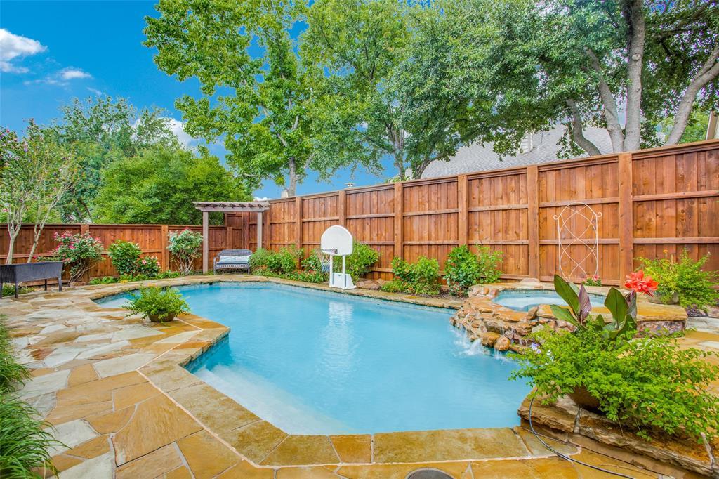 1732 Glenlivet  Drive, Dallas, Texas 75218 - acquisto real estate best luxury home specialist shana acquisto