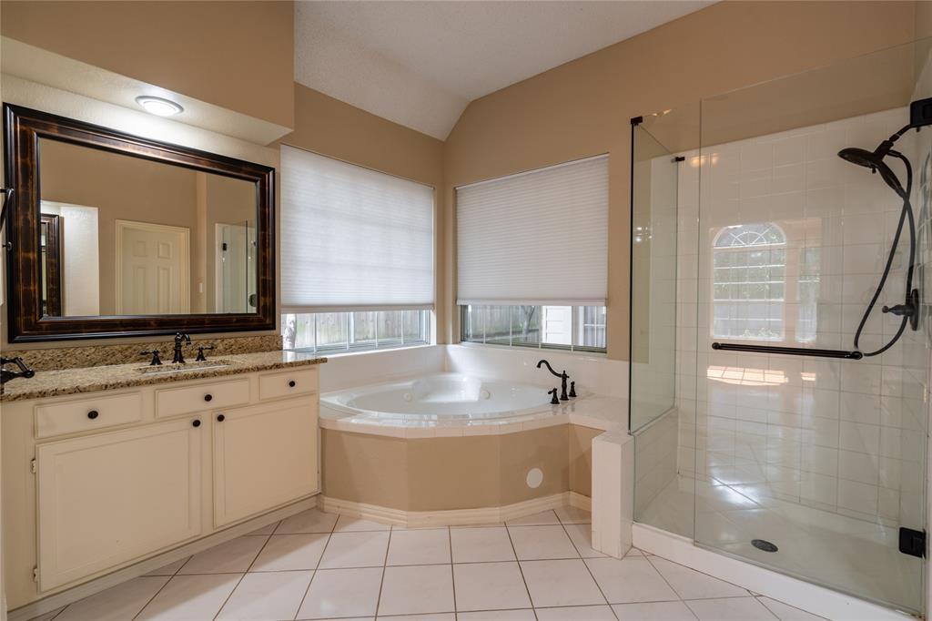 2647 Garden Ridge  Lane, Arlington, Texas 76006 - acquisto real estate best investor home specialist mike shepherd relocation expert
