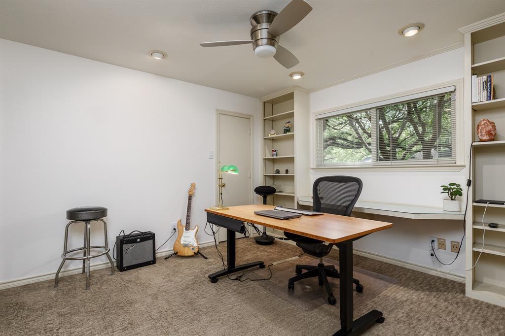 6556 Meadowcreek  Drive, Dallas, Texas 75254 - acquisto real estate best realtor dfw jody daley liberty high school realtor