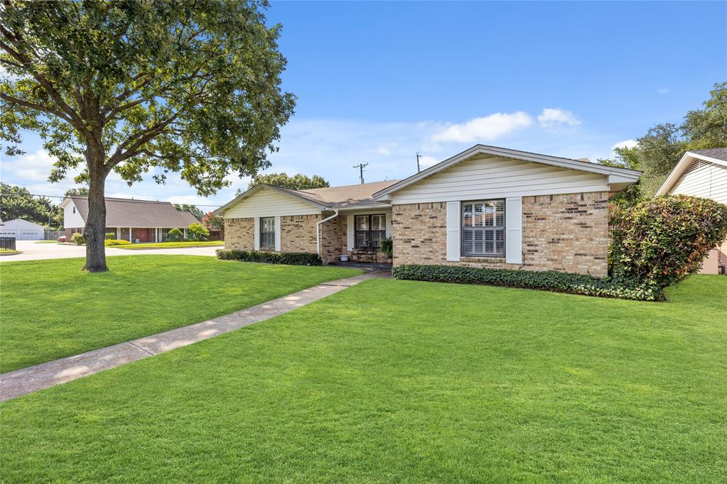 2002 Benjamin  Road, Irving, Texas 75060 - acquisto real estate best plano real estate agent mike shepherd