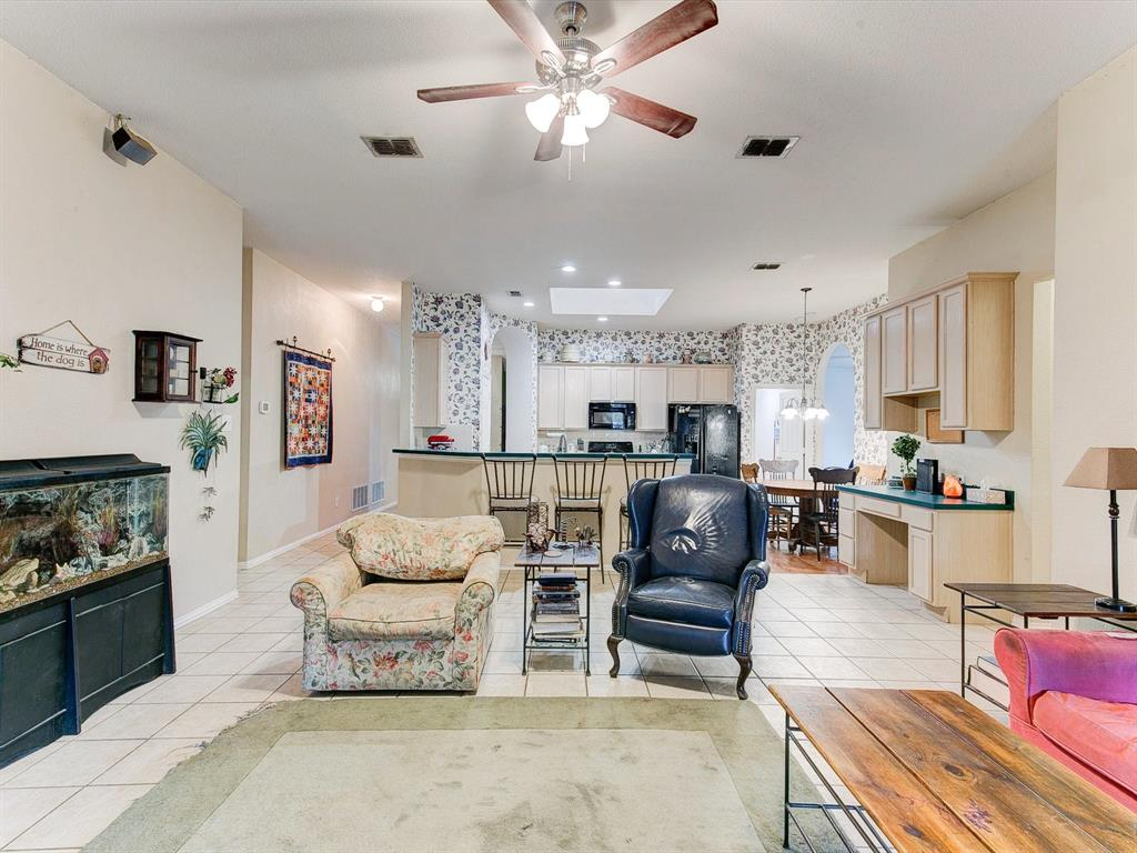 2830 Oakdale  Drive, Burleson, Texas 76028 - acquisto real estate best realtor dallas texas linda miller agent for cultural buyers