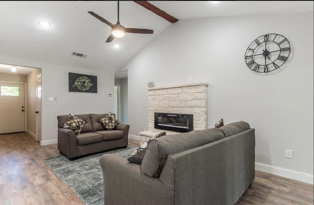 1001 5th  Street, Grand Prairie, Texas 75051 - acquisto real estate best investor home specialist mike shepherd relocation expert
