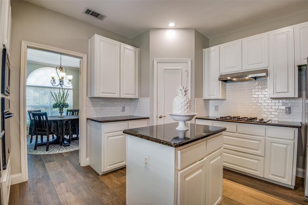 2221 Cristina  Circle, Carrollton, Texas 75006 - acquisto real estate best style realtor kim miller best real estate reviews dfw