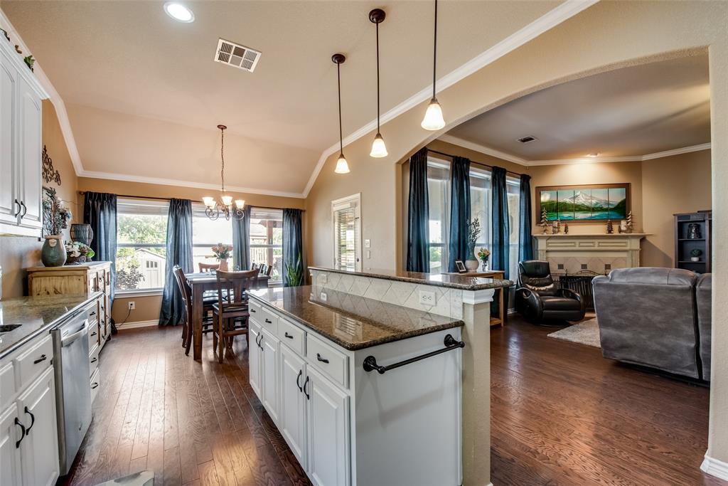 5709 Eagle Mountain  Drive, Denton, Texas 76226 - acquisto real estate best highland park realtor amy gasperini fast real estate service