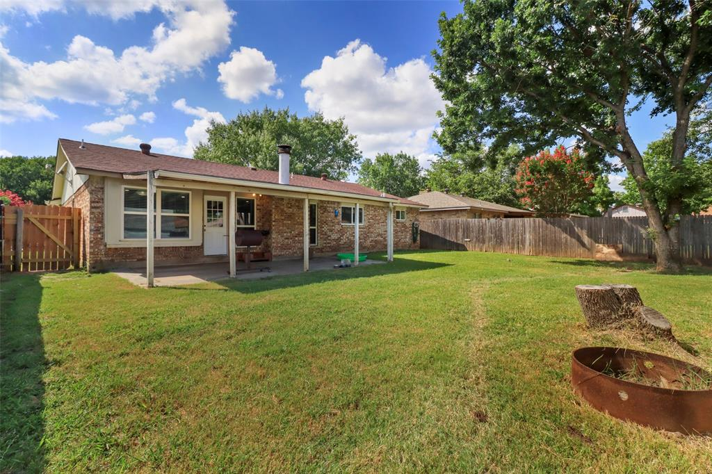 5303 Smoke Tree  Drive, Arlington, Texas 76018 - acquisto real estate best park cities realtor kim miller best staging agent