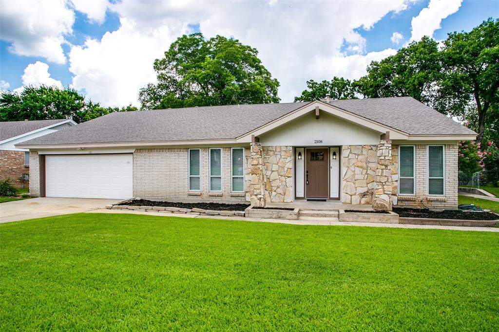 2108 Stonegate  Drive, Bedford, Texas 76021 - Acquisto Real Estate best mckinney realtor hannah ewing stonebridge ranch expert