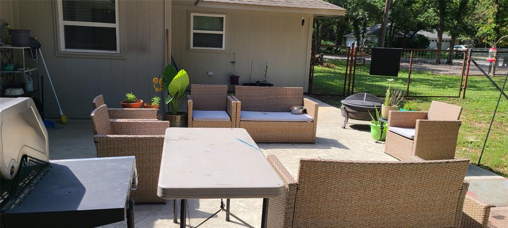 6912 Stewarts Oaks  Court, Granbury, Texas 76049 - acquisto real estate best listing photos hannah ewing mckinney real estate expert