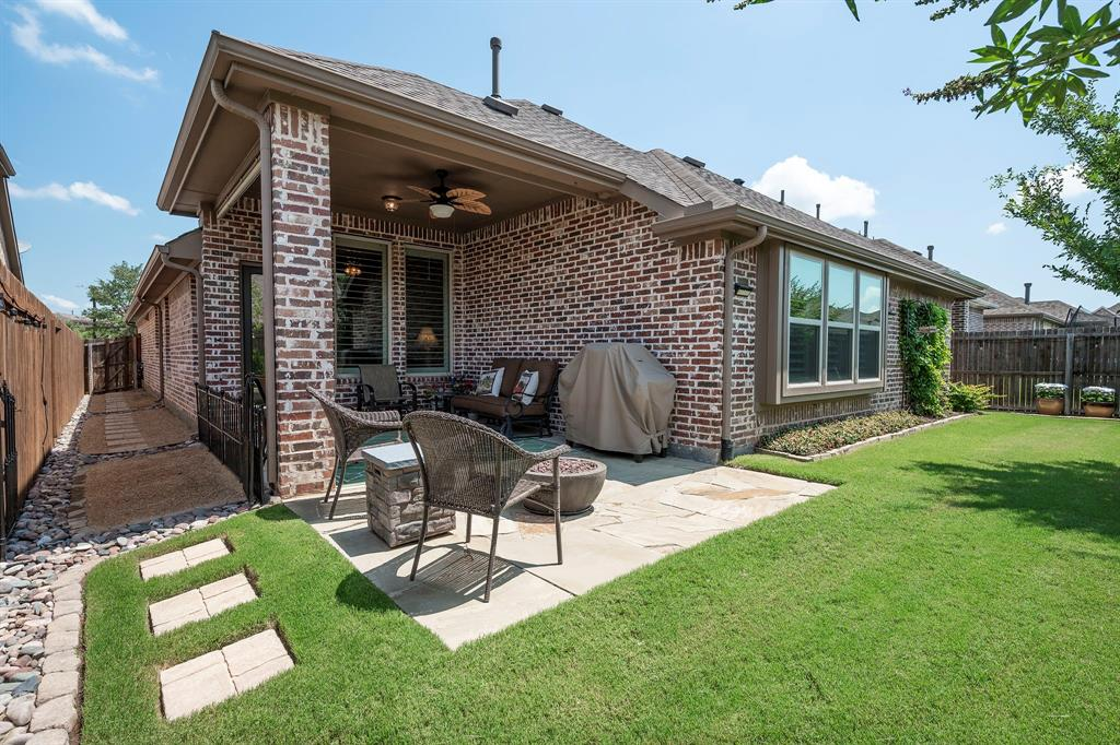 1116 Hot Springs  Way, Celina, Texas 75009 - acquisto real estate best realtor foreclosure real estate mike shepeherd walnut grove realtor