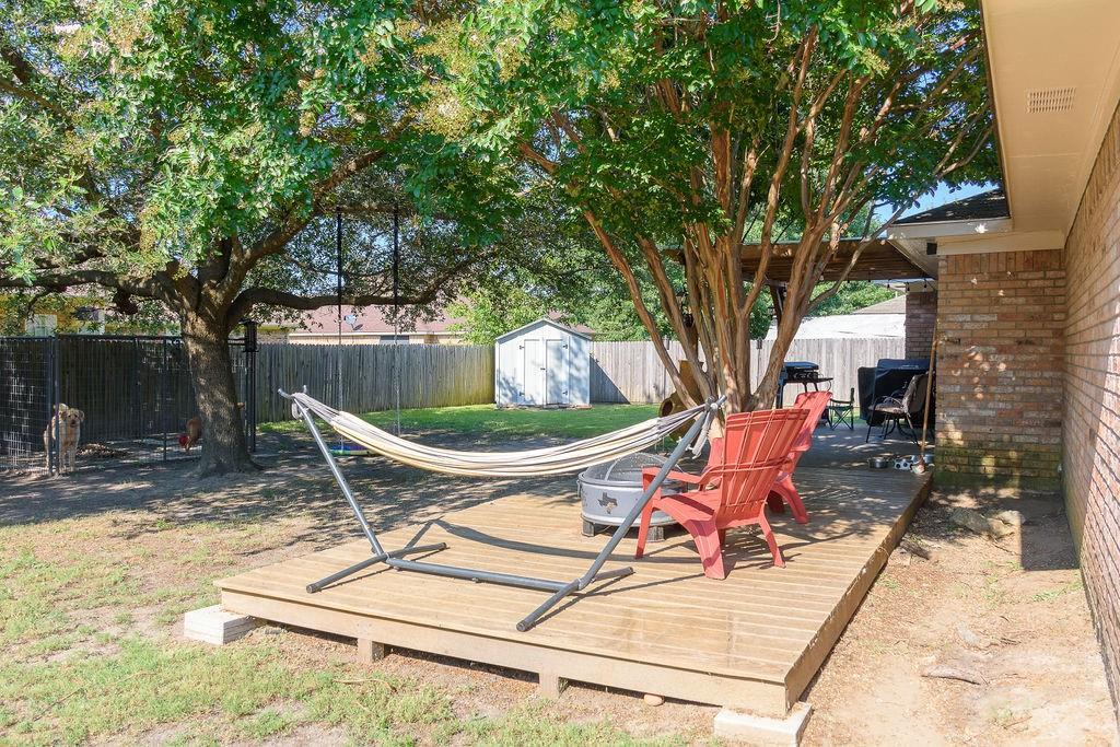 206 Hackberry  Drive, Greenville, Texas 75402 - Acquisto Real Estate best mckinney realtor hannah ewing stonebridge ranch expert