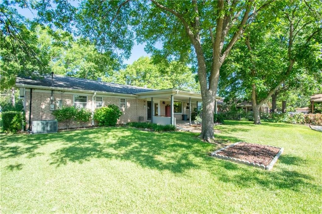 1111 Johnson  Street, Benbrook, Texas 76126 - acquisto real estate best prosper realtor susan cancemi windfarms realtor