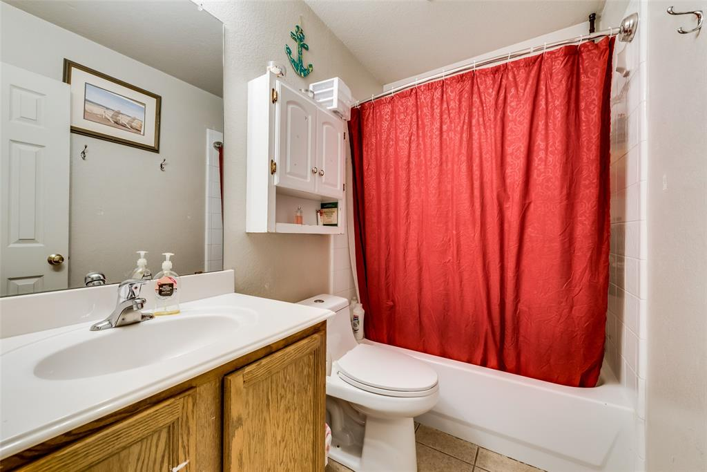 10710 Nantucket  Drive, Rowlett, Texas 75089 - acquisto real estate best photos for luxury listings amy gasperini quick sale real estate