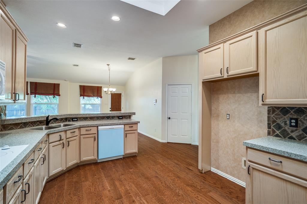 9816 Belfort  Drive, Frisco, Texas 75035 - acquisto real estate best new home sales realtor linda miller executor real estate