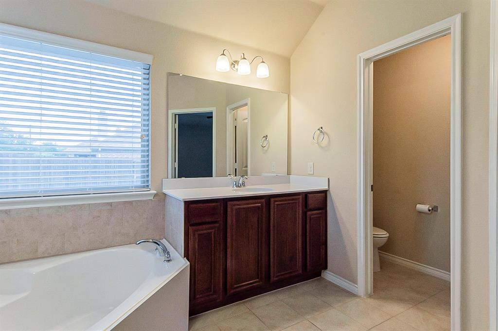 5025 Hidden Creek  Road, Garland, Texas 75043 - acquisto real estate best designer and realtor hannah ewing kind realtor