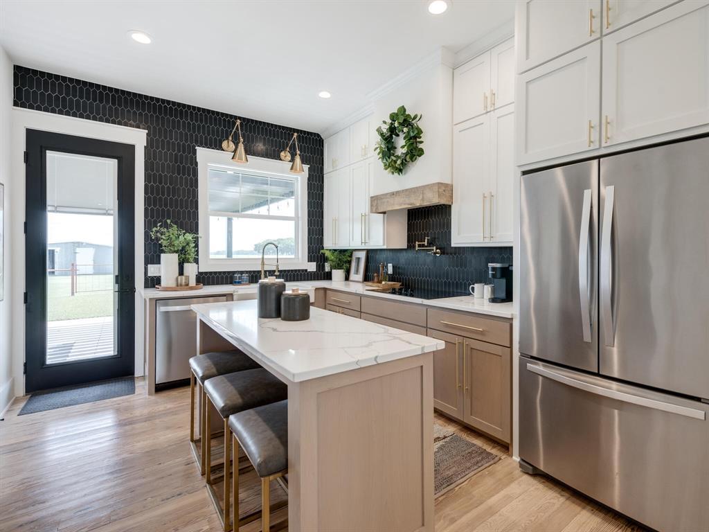 901 Debbie  Lane, Pilot Point, Texas 76258 - acquisto real estate best style realtor kim miller best real estate reviews dfw