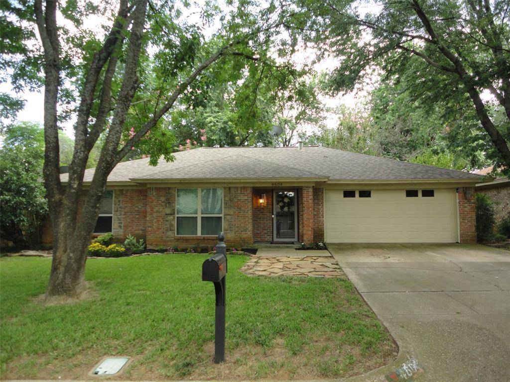 4604 Oak Valley  Drive, Arlington, Texas 76016 - Acquisto Real Estate best plano realtor mike Shepherd home owners association expert