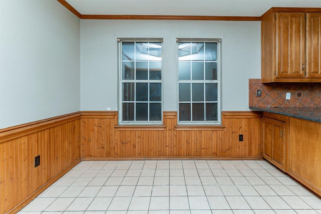 6710 Landover Hills  Lane, Arlington, Texas 76017 - acquisto real estate best highland park realtor amy gasperini fast real estate service