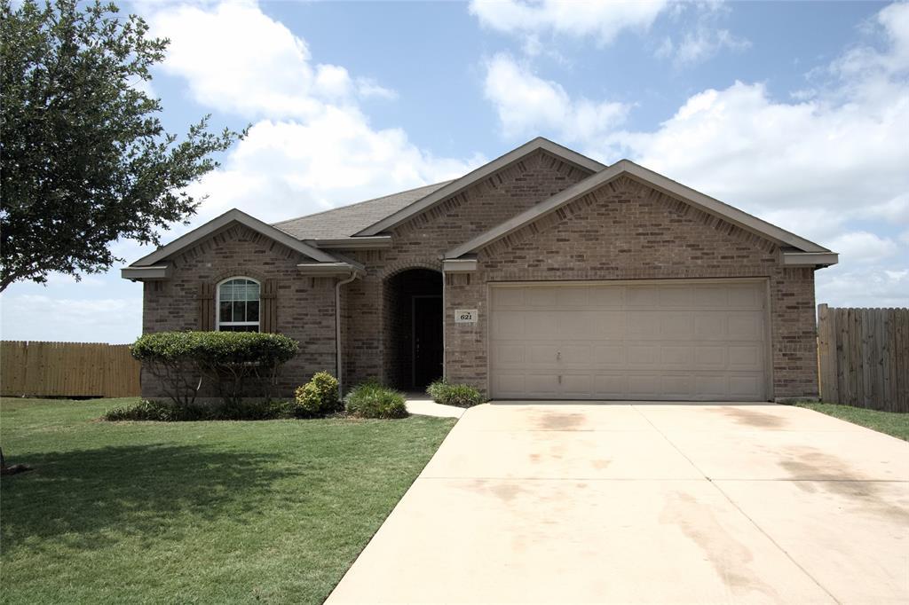 621 Sparrow  Drive, Saginaw, Texas 76131 - Acquisto Real Estate best mckinney realtor hannah ewing stonebridge ranch expert