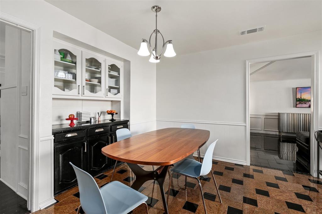 6530 La Manga  Drive, Dallas, Texas 75248 - acquisto real estate best new home sales realtor linda miller executor real estate