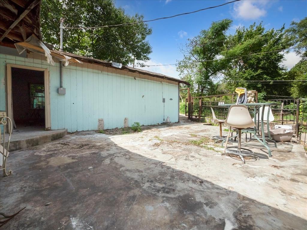 1850 Pollard  Street, Dallas, Texas 75208 - acquisto real estate best frisco real estate agent amy gasperini panther creek realtor