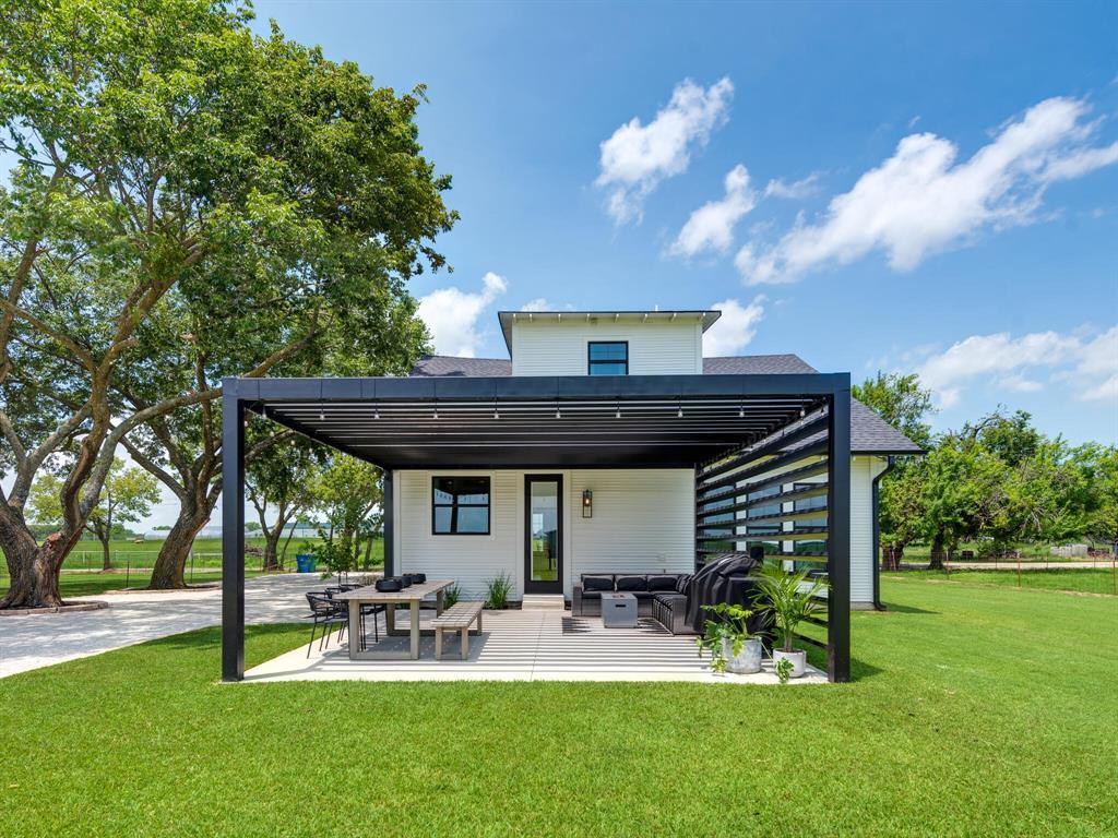 901 Debbie  Lane, Pilot Point, Texas 76258 - acquisto real estate best looking realtor in america shana acquisto