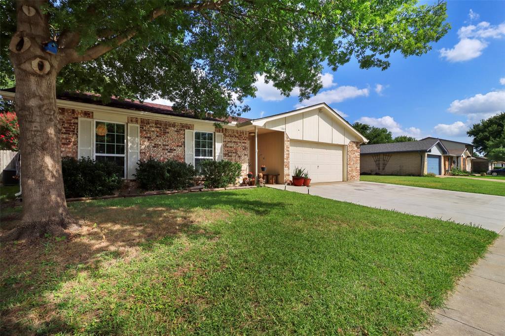5303 Smoke Tree  Drive, Arlington, Texas 76018 - Acquisto Real Estate best plano realtor mike Shepherd home owners association expert