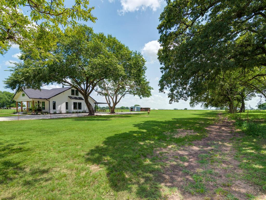 901 Debbie  Lane, Pilot Point, Texas 76258 - acquisto real estate best luxury home specialist shana acquisto