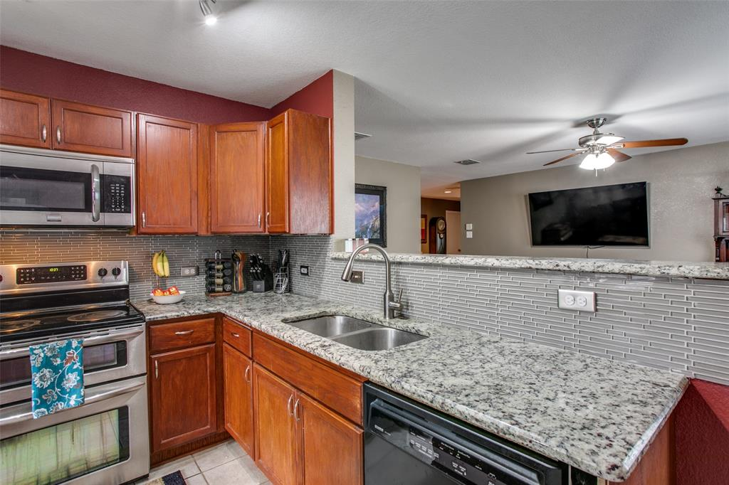 841 San Miguel  Trail, Fort Worth, Texas 76052 - acquisto real estate best new home sales realtor linda miller executor real estate