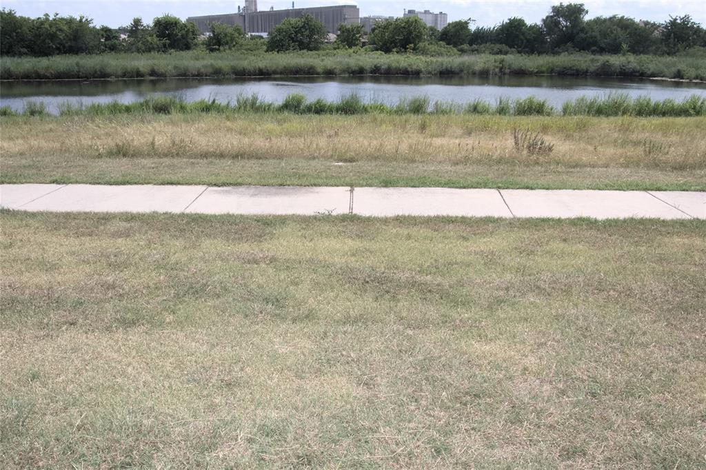621 Sparrow  Drive, Saginaw, Texas 76131 - acquisto real estate agent of the year mike shepherd