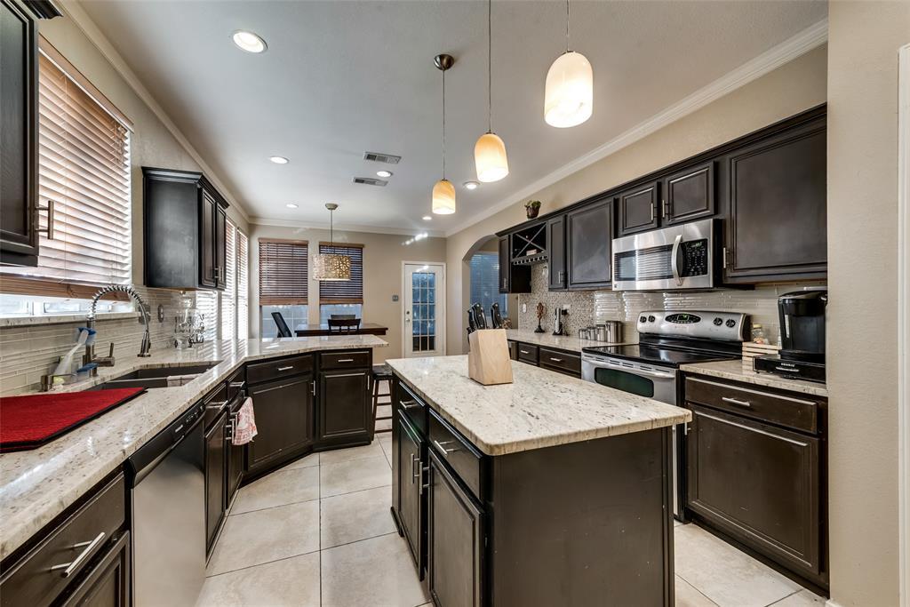 6319 Pierce Arrow  Drive, Arlington, Texas 76001 - acquisto real estate best listing listing agent in texas shana acquisto rich person realtor