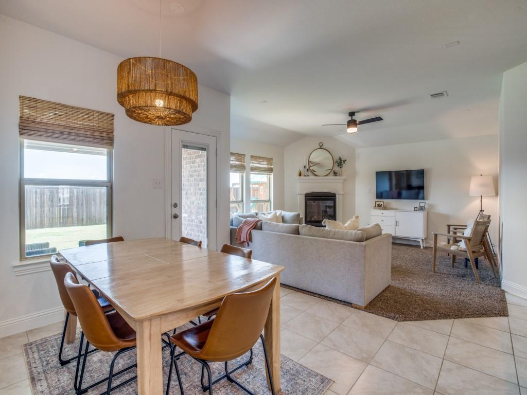 1020 Bluebird  Way, Celina, Texas 75009 - acquisto real estate best prosper realtor susan cancemi windfarms realtor