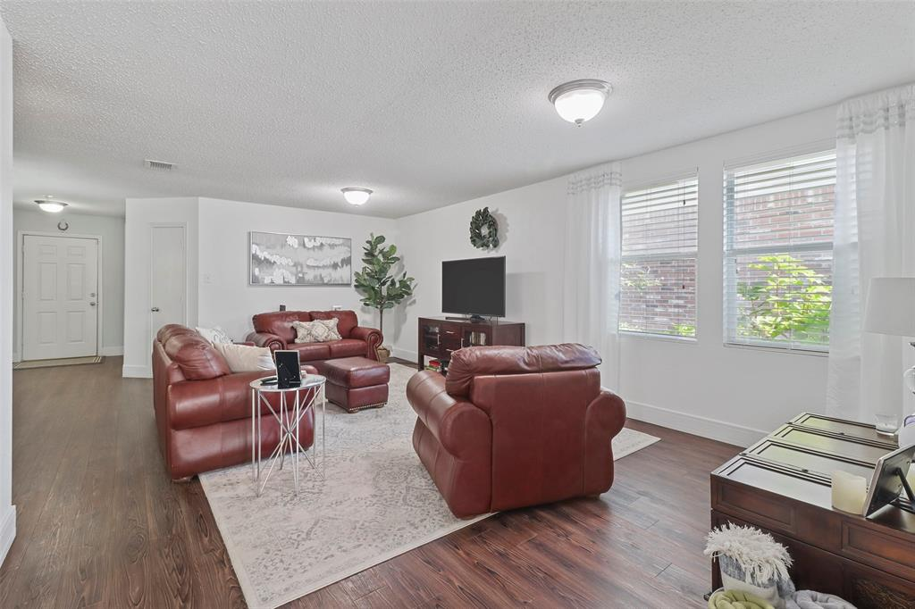16600 Jasmine Springs  Drive, Fort Worth, Texas 76247 - acquisto real estate best designer and realtor hannah ewing kind realtor