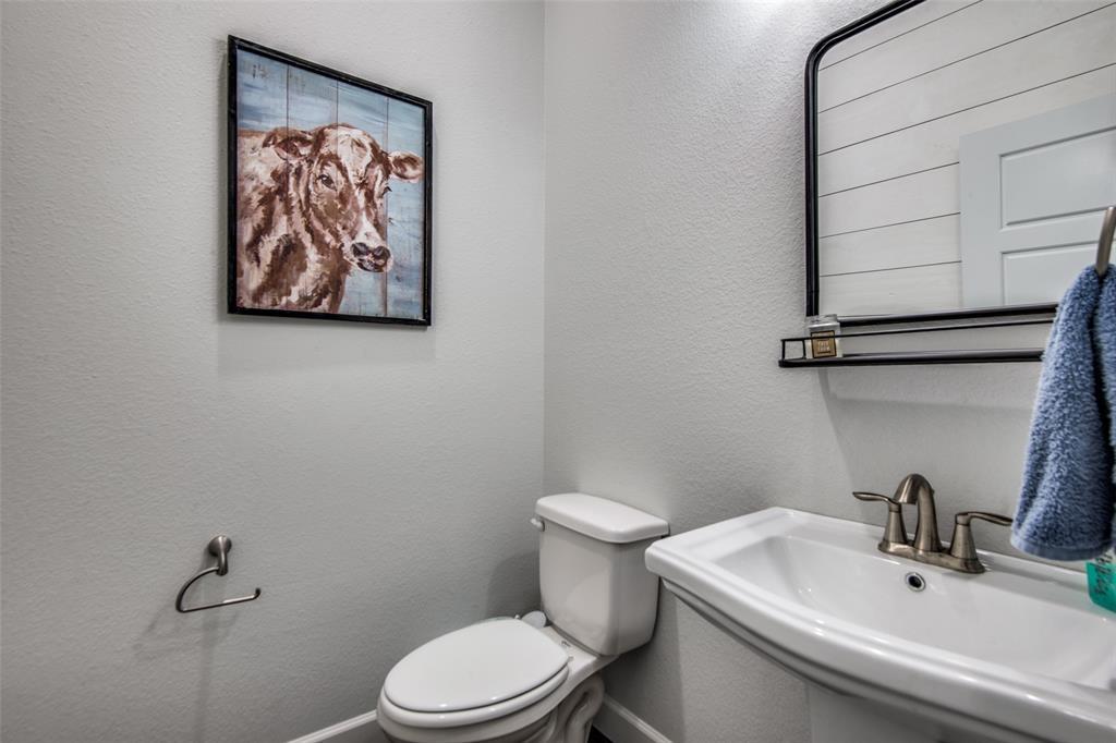 600 Sunflower  Avenue, Argyle, Texas 76226 - acquisto real estate best frisco real estate agent amy gasperini panther creek realtor
