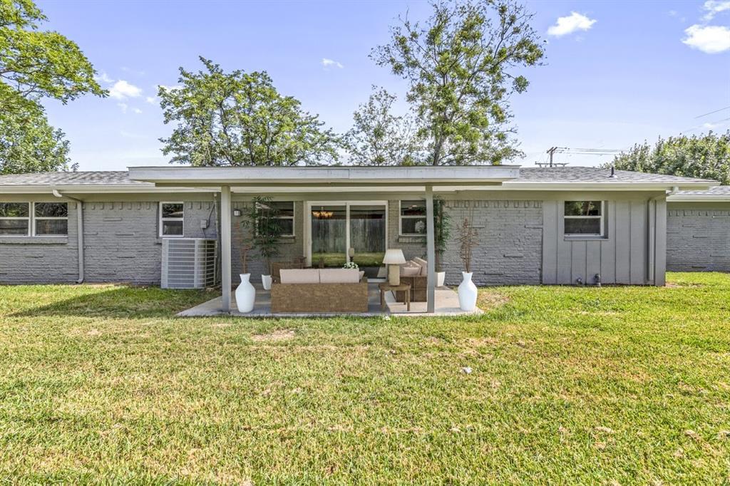 309 Huitt  Lane, Euless, Texas 76040 - acquisto real estate best realtor dfw jody daley liberty high school realtor