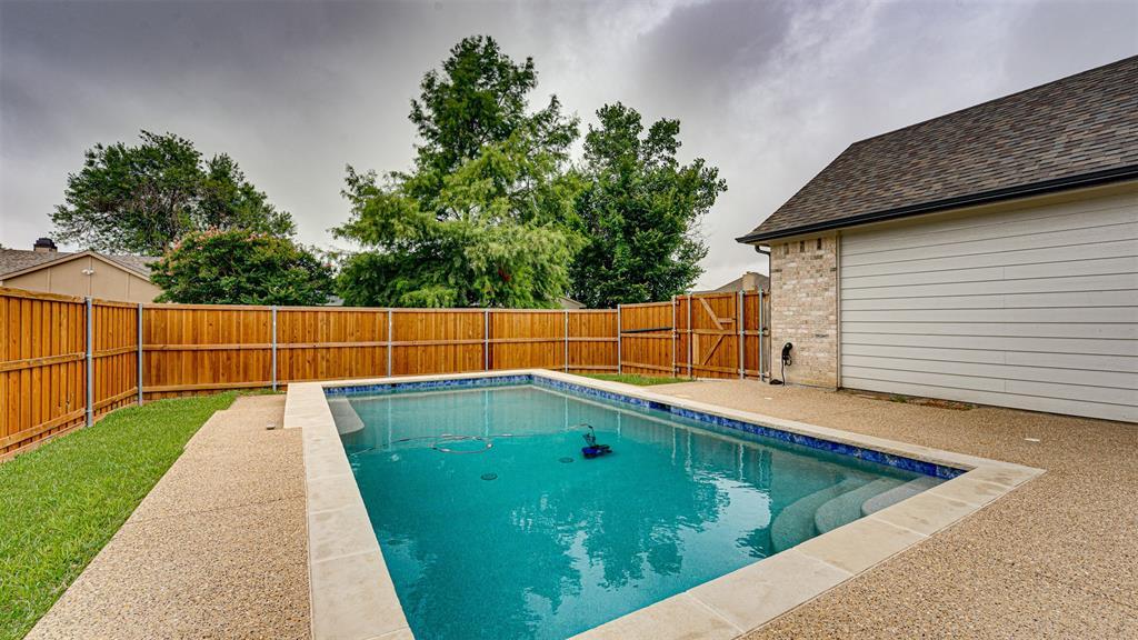 8206 Chesham  Drive, Rowlett, Texas 75088 - acquisto real estate smartest realtor in america shana acquisto