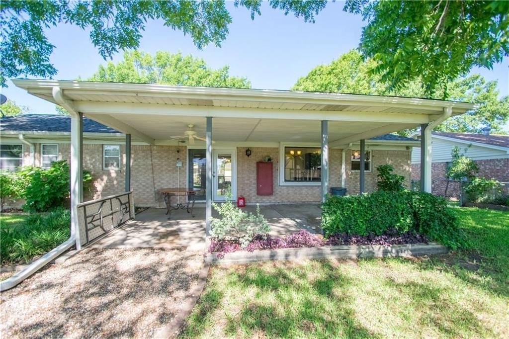 1111 Johnson  Street, Benbrook, Texas 76126 - acquisto real estate best allen realtor kim miller hunters creek expert