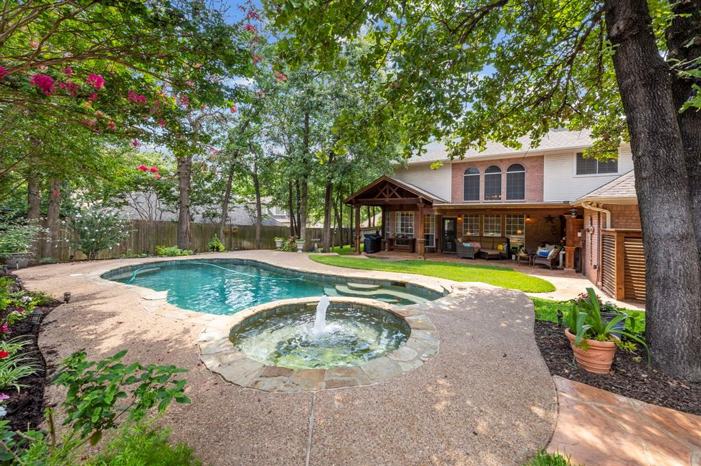8324 Thorncrest  Court, North Richland Hills, Texas 76182 - acquisto real estate agent of the year mike shepherd