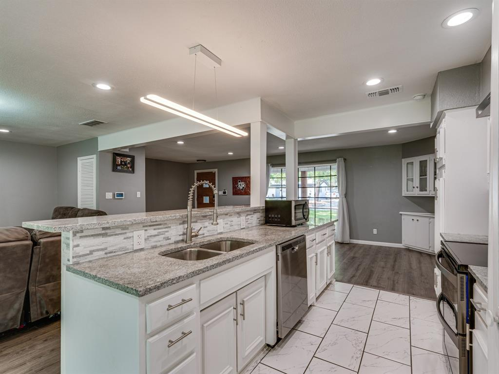 1719 Nueces  Trail, Arlington, Texas 76012 - acquisto real estate best listing agent in the nation shana acquisto estate realtor