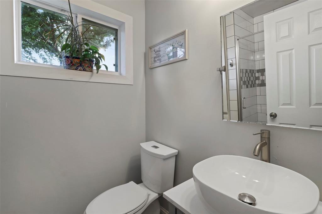 5303 Smoke Tree  Drive, Arlington, Texas 76018 - acquisto real estate best photo company frisco 3d listings