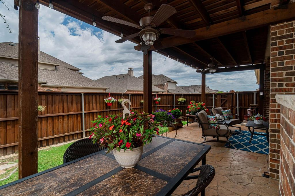 940 Crestmoor  Drive, Allen, Texas 75013 - acquisto real estate best frisco real estate agent amy gasperini panther creek realtor