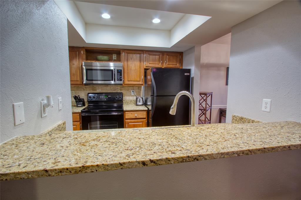 719 Creekwood  Court, Lewisville, Texas 75067 - acquisto real estate best real estate company to work for