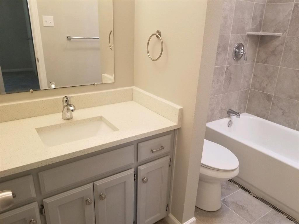 611 Shore  Drive, Lake Dallas, Texas 75065 - acquisto real estate best real estate company to work for