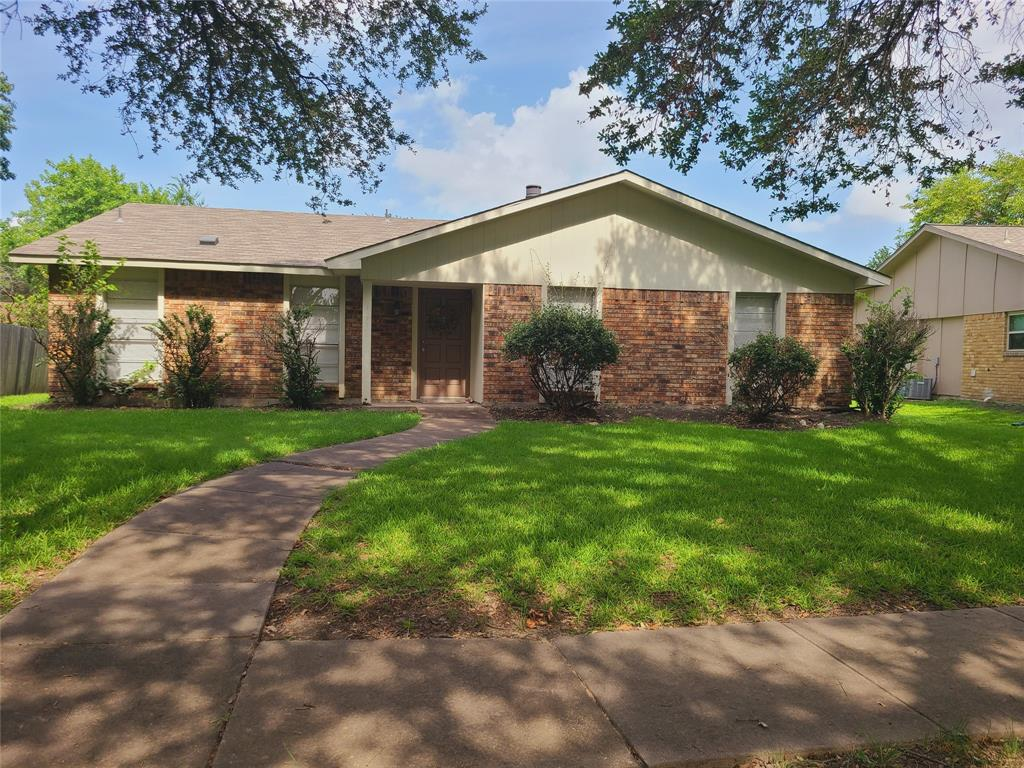 3912 Villa Downs  Drive, Plano, Texas 75023 - Acquisto Real Estate best plano realtor mike Shepherd home owners association expert
