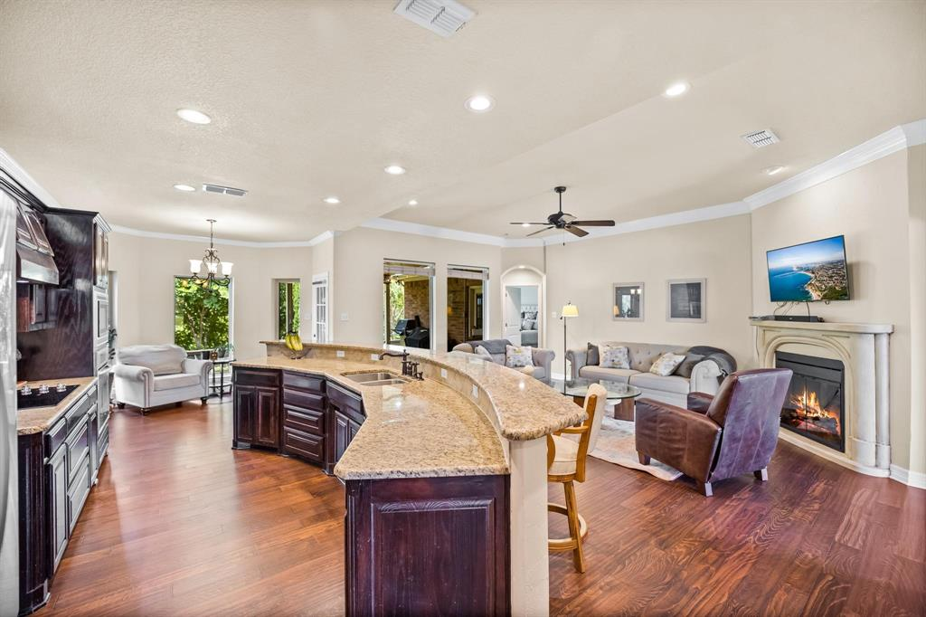 208 Bluff View  Aledo, Texas 76008 - acquisto real estate best real estate company to work for