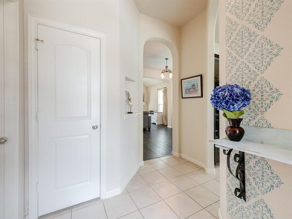 929 Viburnum  Drive, Fort Worth, Texas 76131 - acquisto real estate best prosper realtor susan cancemi windfarms realtor