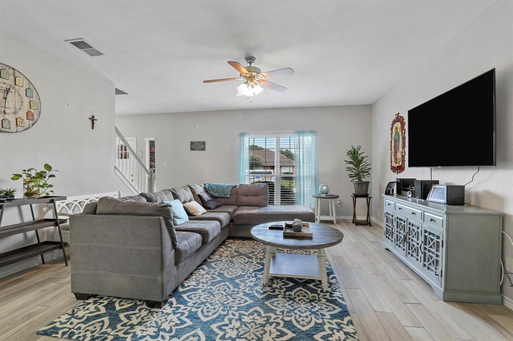 8522 Coventry  Drive, Rowlett, Texas 75089 - acquisto real estate best real estate company to work for